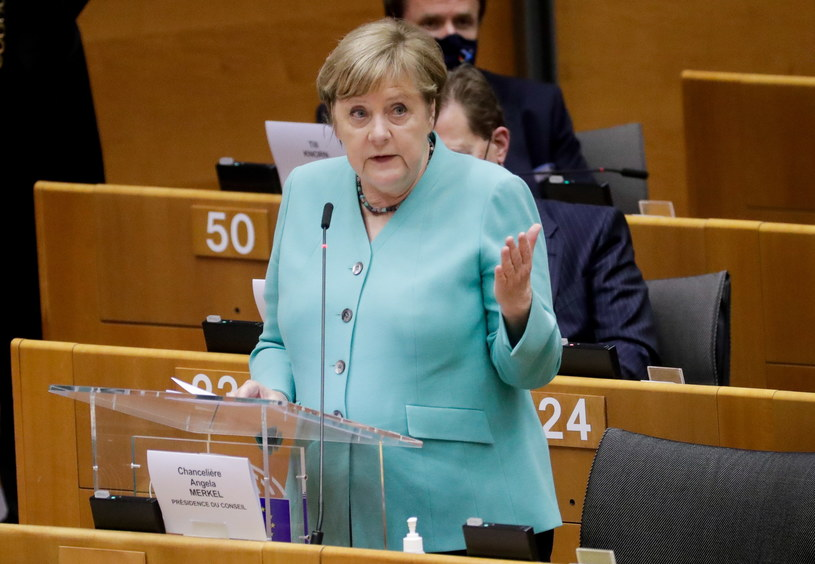 Angela Merkel w PE /STEPHANIE LECOCQ  /PAP/EPA