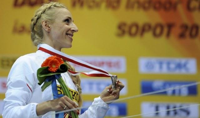 Angelika Cichocka ze srebrnym medalem /Bartłomiej Zborowski /PAP