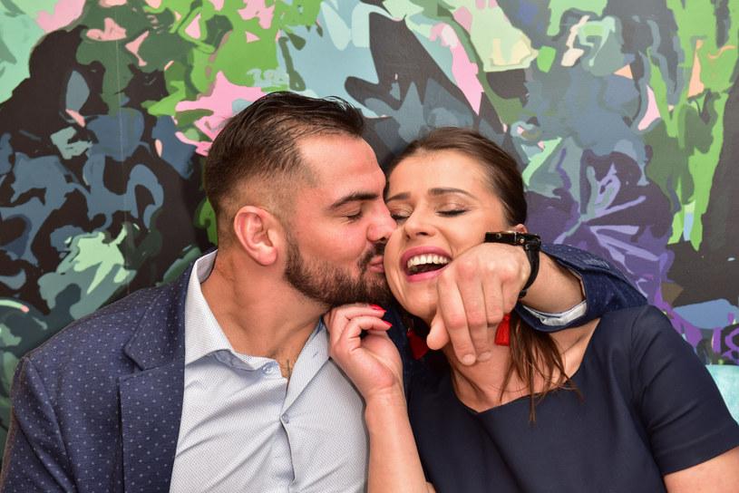 Angelika i Igor przyznają, że ich związek zaczął się od głębokiej przyjaźni /East News
