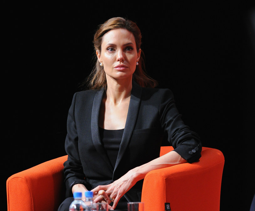 Angelina Jolie boi się o dzieci! /Eamonn Cormack /Getty Images