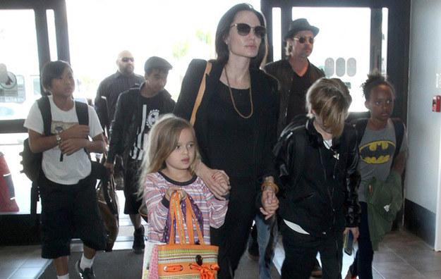 Angelina Jolie i Brad Pitt martwią się o jedną ze swoich córek /East News