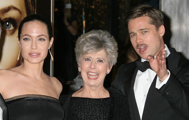 Angelina Jolie i Brad Pitt z mamą  /Splashnews