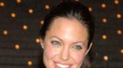 Angelina Jolie matkuje Farrellowi