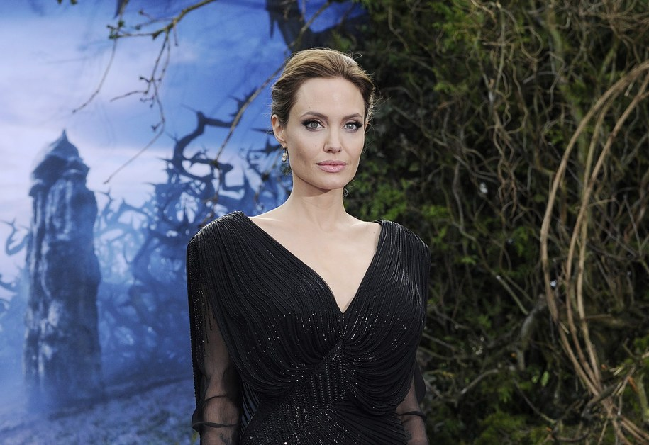 Angelina Jolie na premierze filmu /FACUNDO ARRIZABALAGA /PAP/EPA