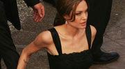 Angelina Jolie okradziona z sukien