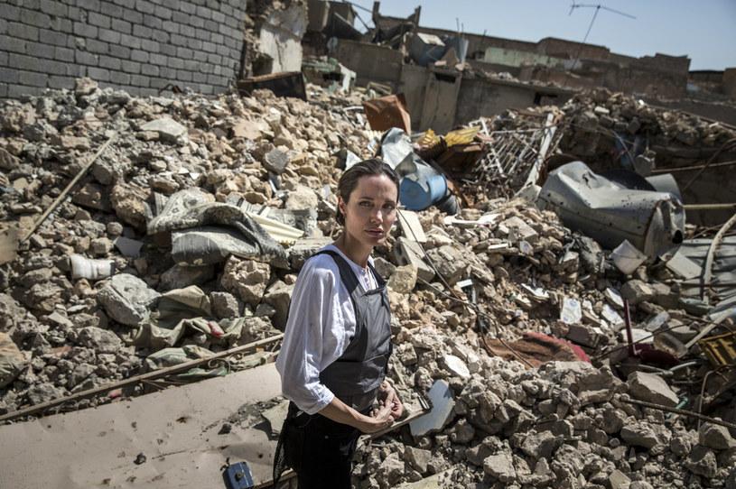 Angelina Jolie podczas wizyty w Iraku w 2018 roku / Andrew McConnell / UNHCR /Getty Images