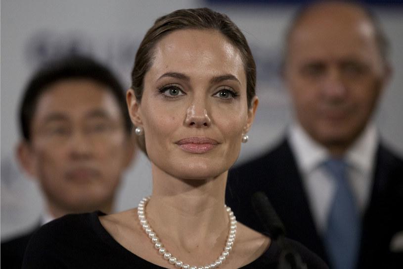 Angelina Jolie poddała się zabiegowi mastektomii /Getty Images/Flash Press Media