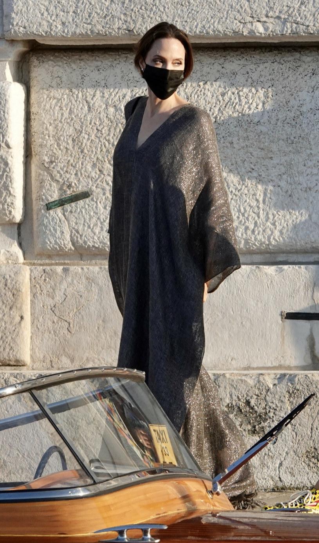 Angelina Jolie podobno nie czuje się najlepiej. Stres sprawił, że bardzo mało je /Rex Features/EAST NEWS /East News
