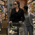 Angelina Jolie przyłapana na zakupach w supermarkecie!