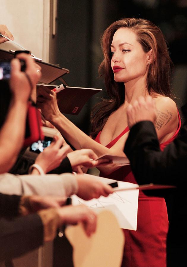 Angelina Jolie to gwiazda światowego formatu, ale prywatnie jest bardzo ciepłą osobą.  /Adam Pretty /Getty Images/Flash Press Media