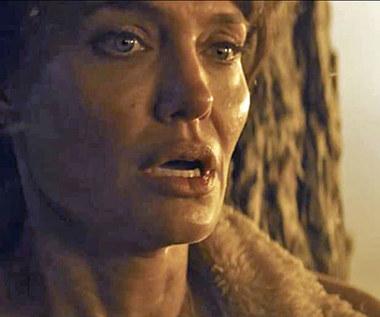 """Angelina Jolie w zwiastunie filmu """"Ci, którzy życzą mi śmierci"""""""