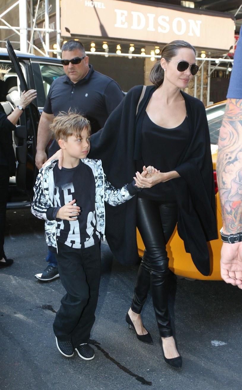 Angelina Jolie z synem /East News