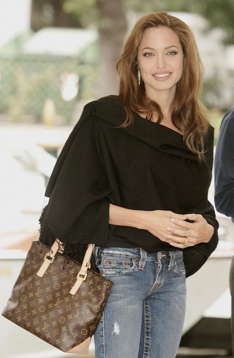 Angelina Jolie z torbą od Louis Vuittina /Getty Images