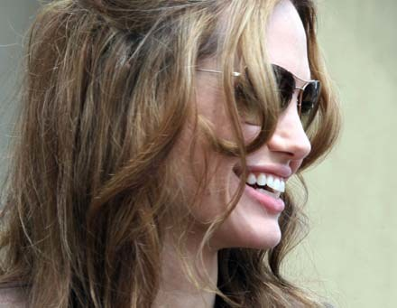 Angelina Jolie zagra w ekranizacji kultowej amerykańskiej powieści /AFP