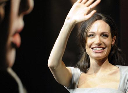 Angelina Jolie zagra w nowej serii o kobiecie lekarce medycyny sądowej /AFP