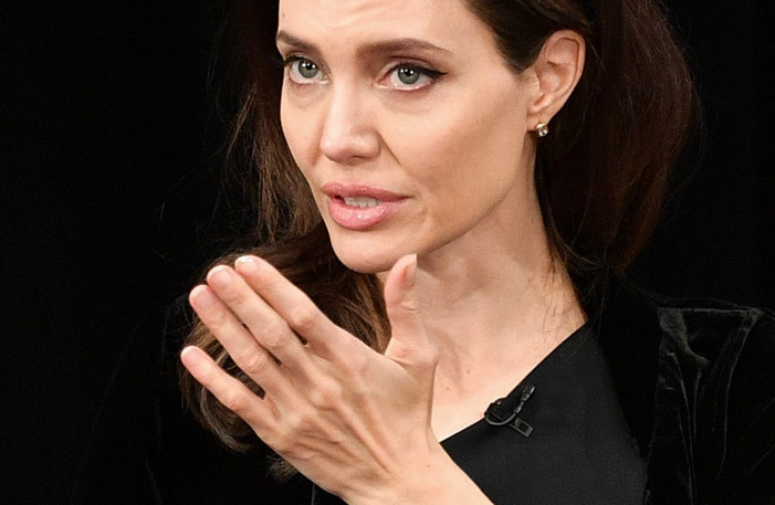 Angelina Jolie /Dia Dipasupil /Getty Images