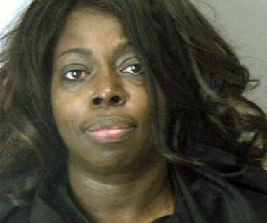 Angie Stone aresztowana. Wokalistka wybiła córce ząb