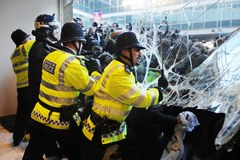 Angielscy studenci starli się z policją