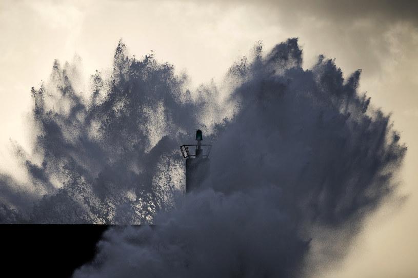 Anglię czeka miesiąc sztormowej pogody /AFP