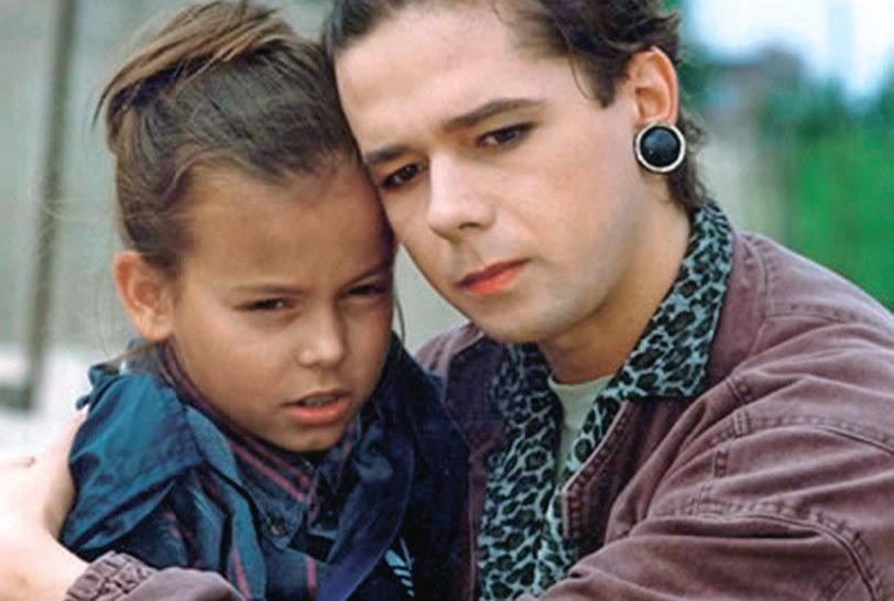 """Ania Mucha zadebiutowała jako dziesięciolatka, a rok później zagrała główną rolę w filmie """"Przeklęta Ameryka"""". /Świat Seriali"""