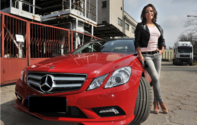 Ania świetnie obecnie zarabia - właśnie kupiła sobie nowy samochód, fot.Piotr Bławicki  /East News