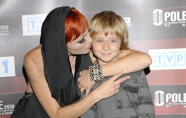 Ania Wyszkoni z synem (2010 r.) /- /MWMedia