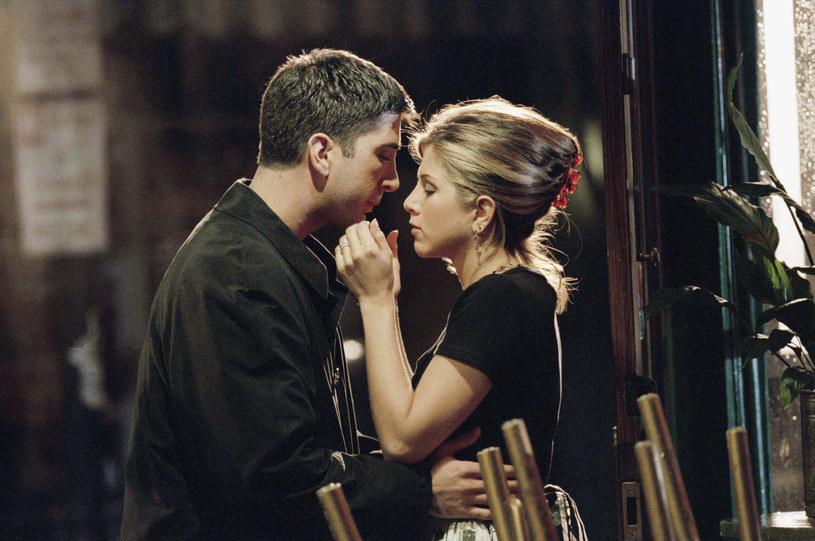 "Aniston i Schwimmer na planie serialu ""Przyjaciele"" /Robert Isenberg/NBCU Photo Bank/NBCUniversal /Getty Images"