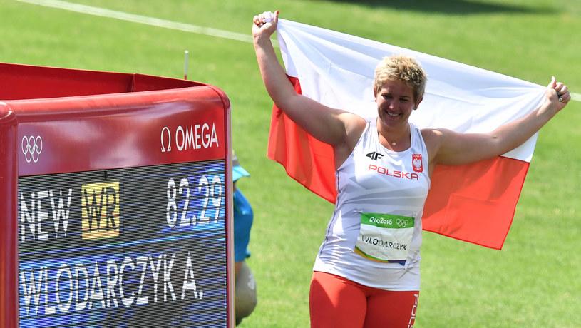 Anita Włodarczyk cieszy się z rekordu świata /AFP