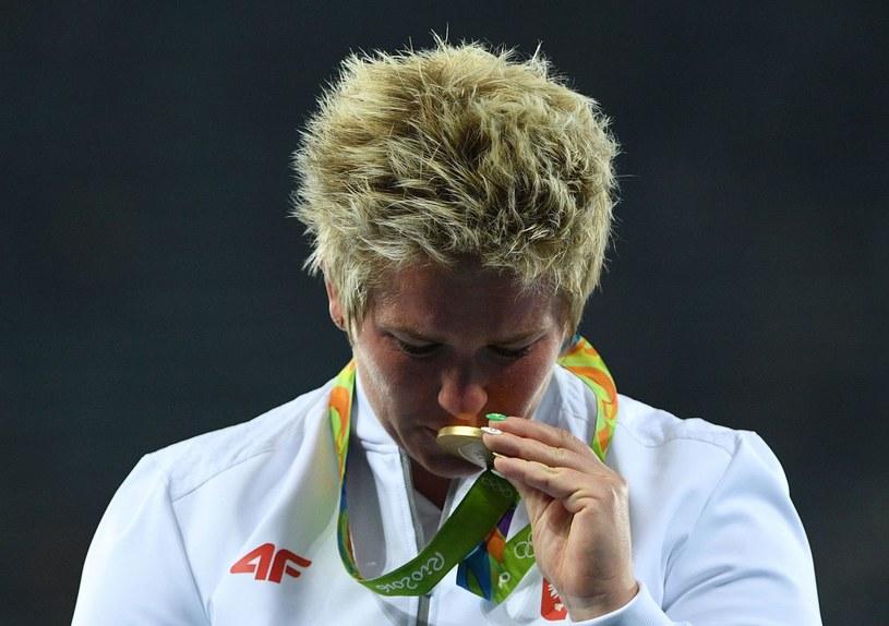 Anita Włodarczyk ze złotym medalem IO /AFP