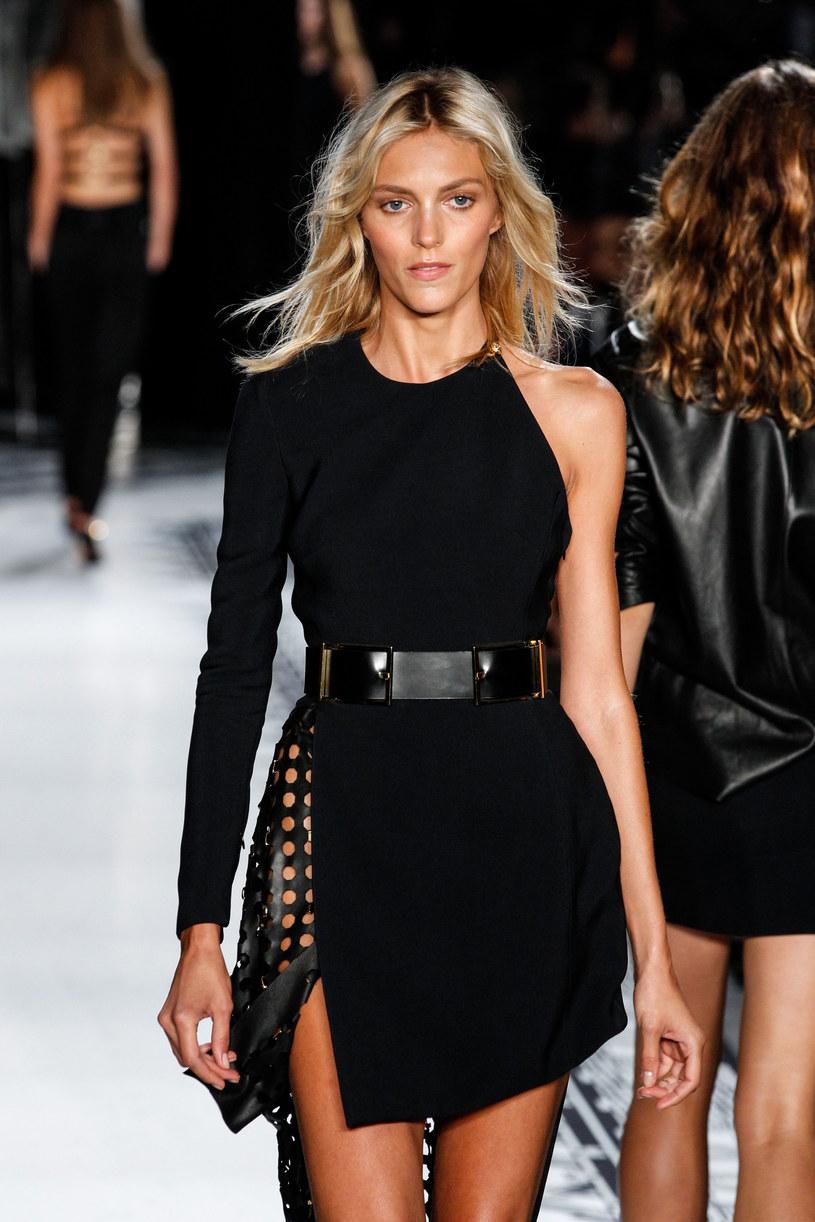 Anja zarabia na kampaniach reklamowych i pokazach mody /Getty Images