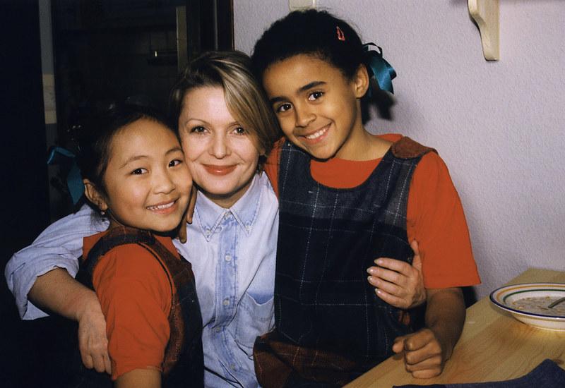 Anka (Gabriela Kownacka), Zosia (Misheel Jargalsajkhan) i Elizka (Aleksandra Szewd) /Prończyk /AKPA