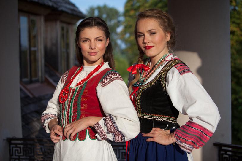 Anka (Karolina Gorczyca) i Ula (Magdalena Lamparska) /Mikołaj Tym / Aktiv Media /materiały prasowe
