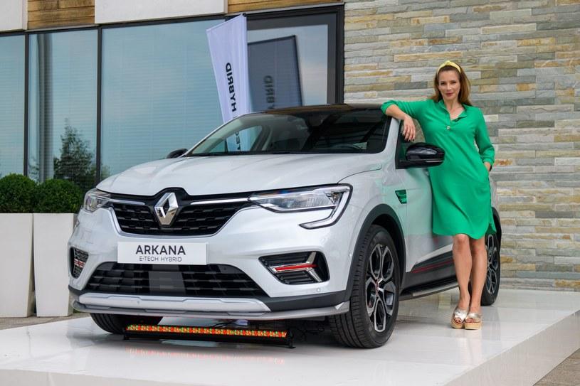 Anna Dereszowska i Renault Arkana /