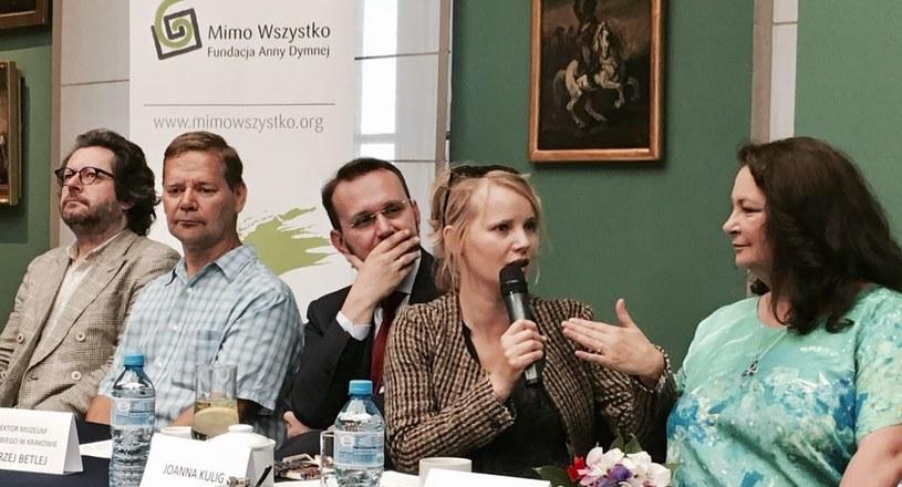 Anna Dymna, Joanna Kulig, Grzegorz Turnau podczas konferencji Festiwalu Zaczarowanej Piosenki /Styl.pl