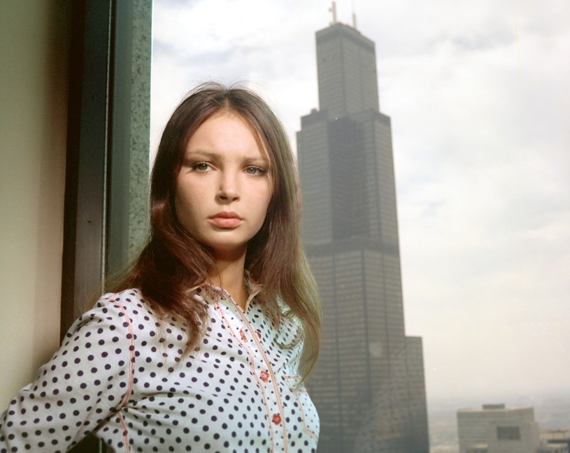 """Anna Dymna w filmie Sylwestra Chęcińskiego """"Kochaj albo rzuć"""" (1977) /East News/POLFILM"""