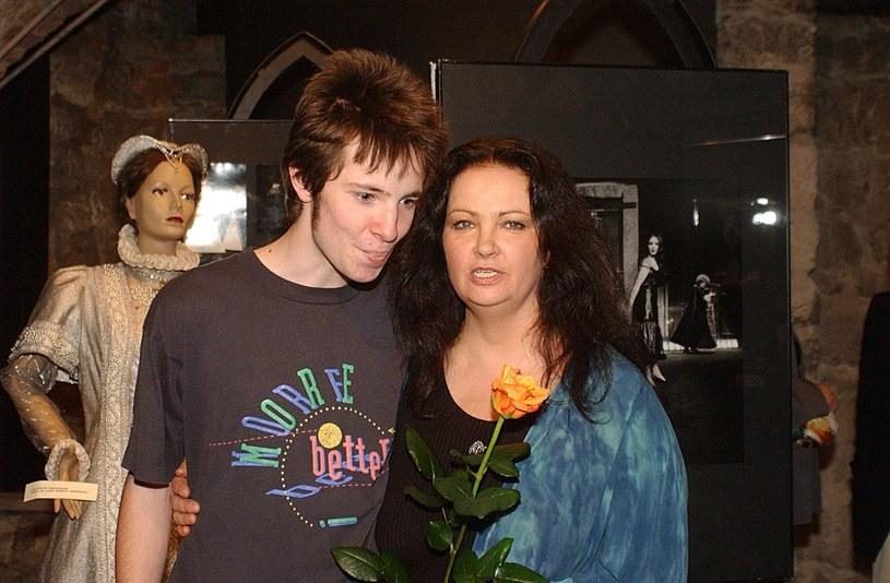 Anna Dymna z synem Michałem, 2003 rok /Waclaw Klag /East News