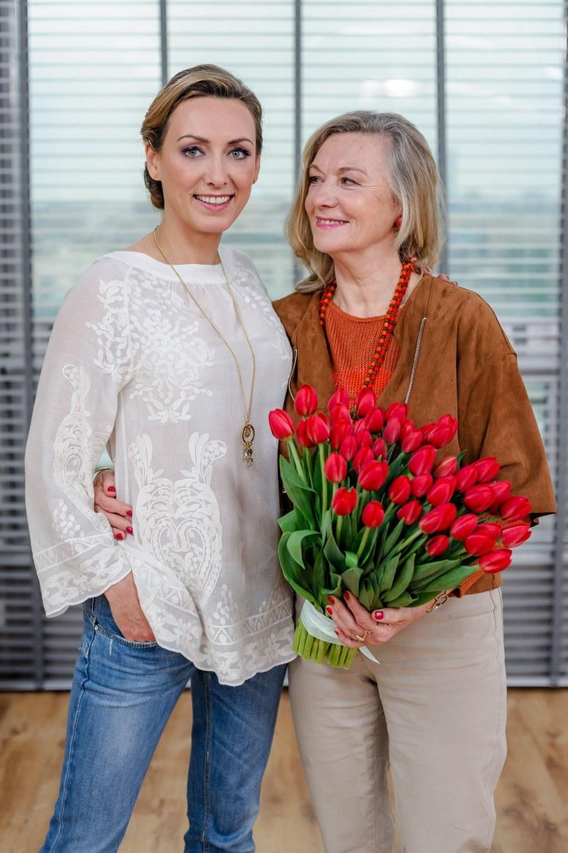 Anna Kalczyńska z mamą /Urbanek /East News