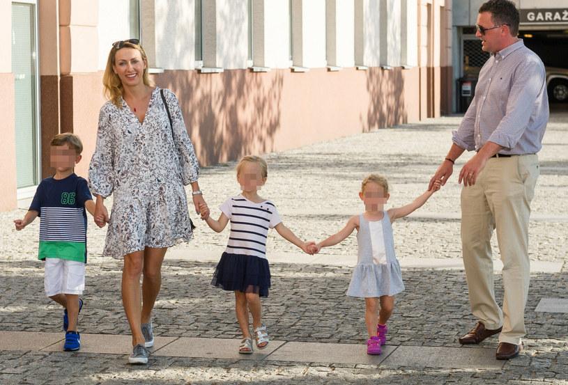 Anna Kalczyńska z rodziną /fot. Bartosz Krupa /East News