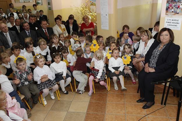Anna Komorowska na otwarciu przedszkola w Karolinie /fot. Artur Reszko /PAP