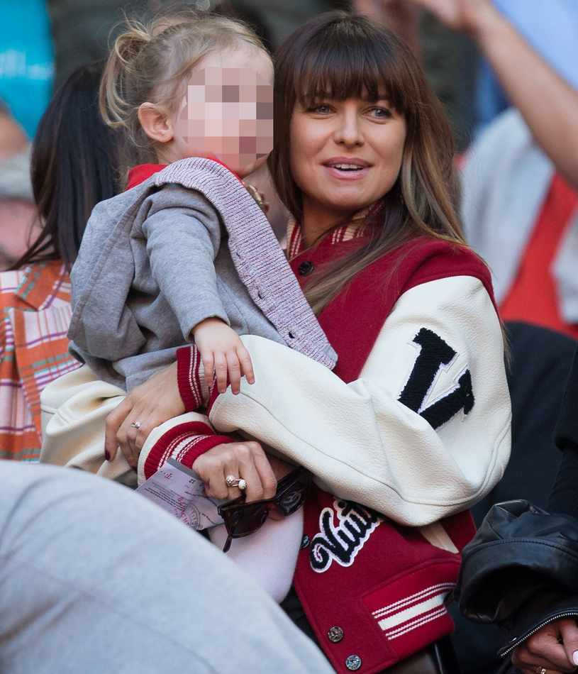 Anna Lewandowska i Klara podczas meczu Bayernu /kolbert-press /Agencja FORUM