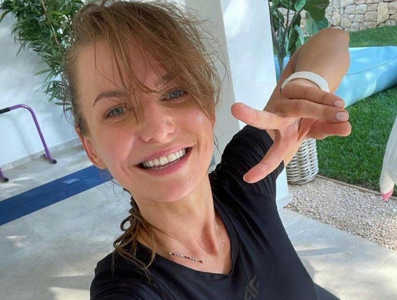 Anna Lewandowska przekonuje, że potrzebujemy zaledwie 30 dni by wyrobić w sobie nowe nawyki, które staną się naszą codziennością /face to face /Reporter