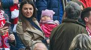 Anna Lewandowska z Klarą na meczu Bayernu Monachium
