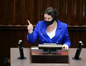 """Anna Maria Żukowska odcina się od słów Donalda Tuska o migrantach. """"Nikt pana nie upoważnił"""""""