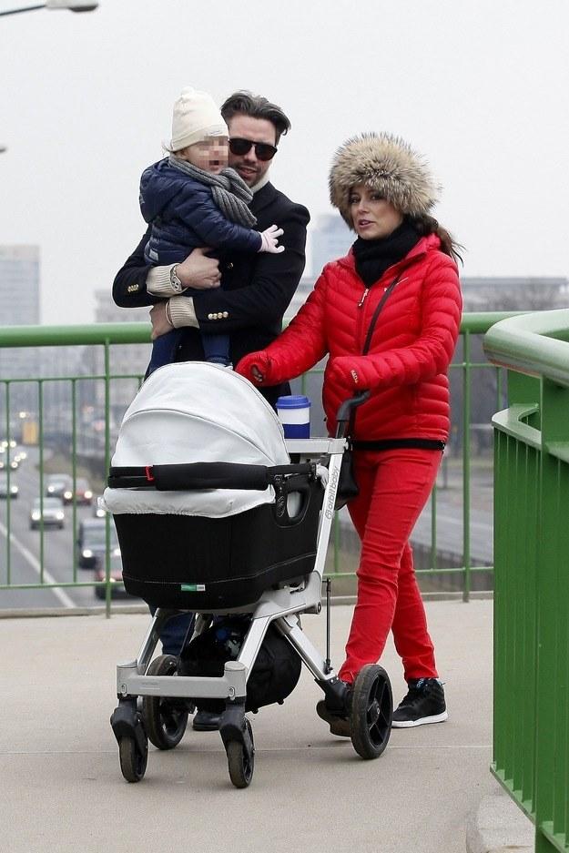 Anna Mucha i Marcel Sora z córką Stefanią i synem Teodorem /Foto IP