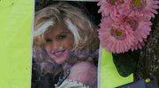 Anna Nicole Smith na różowo