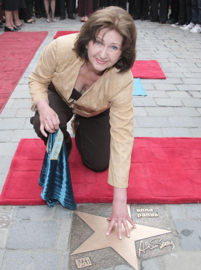 Anna Panas uhonorowana swoją gwiazdą w Opolu - 2008 r. /Tricolors /East News