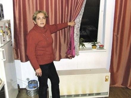 Anna Pasikowska musi ciągle ogrzewać pomieszczenie przy stale otwartym oknie / fot. I. Małkowska /EchoMiasta_Trójmiasto