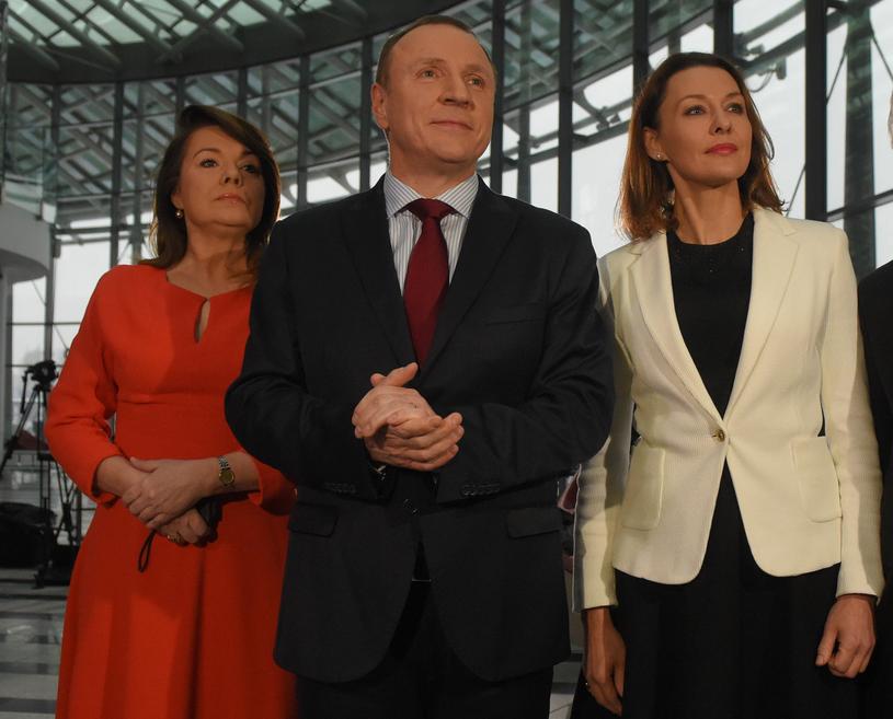 Anna Popek i przedstawiciele narodowej TVP /Adam Chełstowski /Agencja FORUM