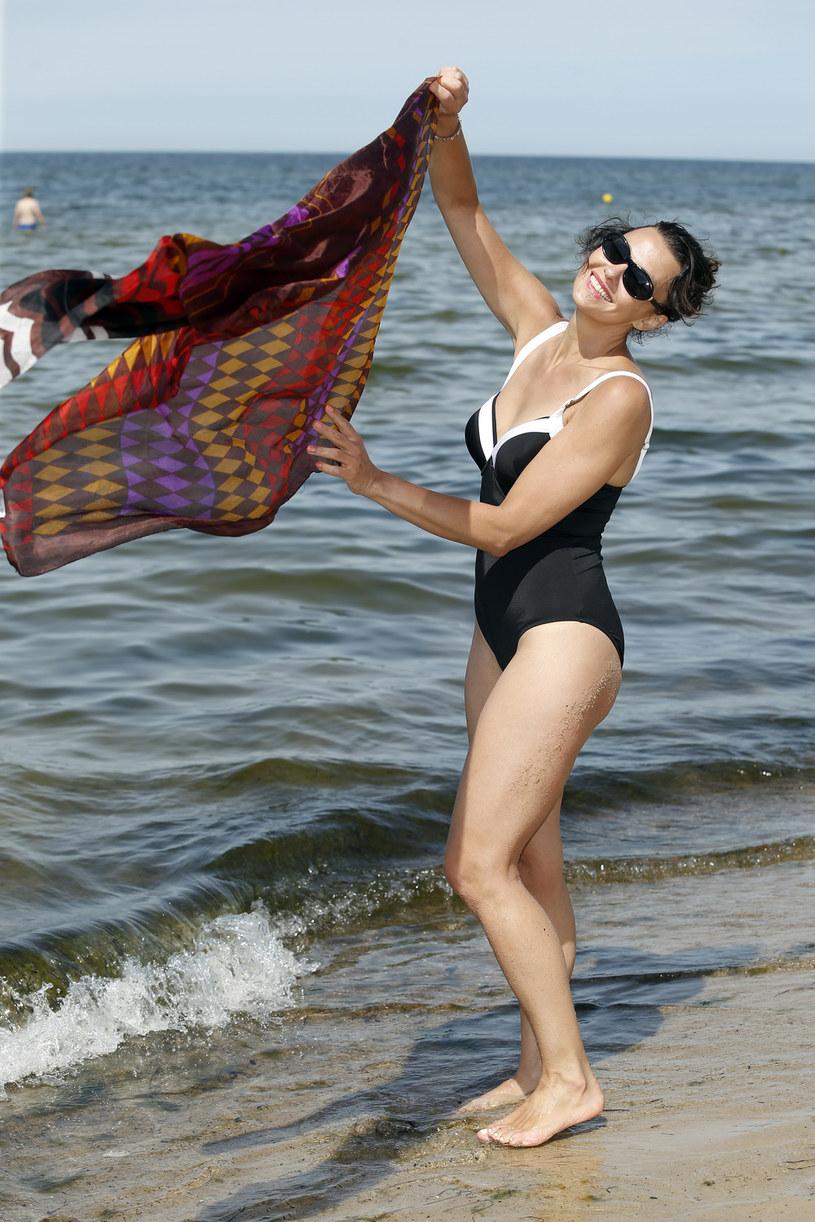 Anna Popek na plaży /Podlewski /AKPA