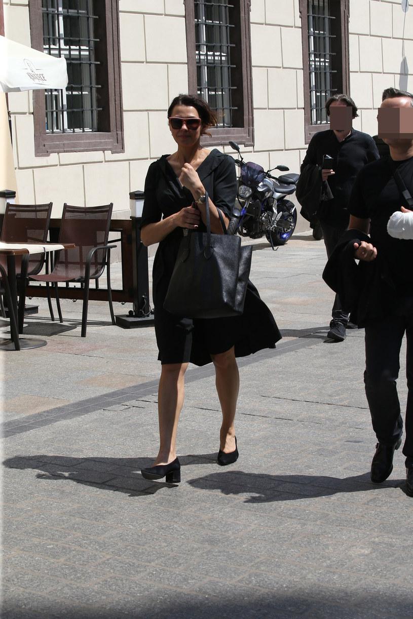 Anna Popek w drodze na pogrzeb /Klamka /East News